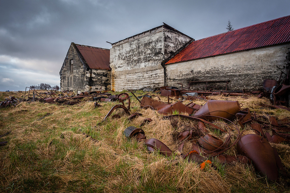 The buildings of the abandoned farmhouse at Holmur
