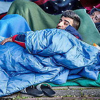 Nederland, Amsterdam, 19 april 2016.<br /> Een aantal vluchtelingen, veelal van Syrische afkomst, die tijdelijk verblijven in de Havenstraat zijn in hongerstaking gegaan.<br /> A number of refugees, mostly of Syrian origin who reside temporarily in the Havenstraat have gone on hunger strike.<br /> <br /> <br /> Foto: Jean-Pierre Jans