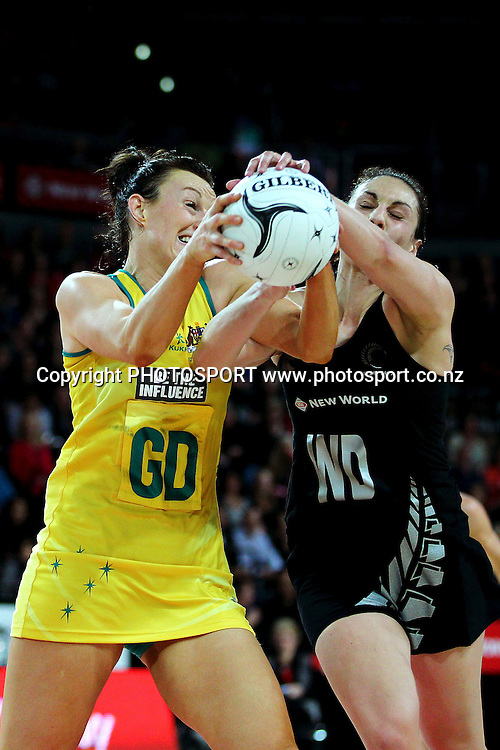 Joline Henry of New Zealand competes against Bianca Chatfield of Australia. International Netball Series, Constellation Cup Test Match, New Zealand Silver Ferns v Australian Diamonds at Vector Arena, Auckland, New Zealand. Thursday 19th September 2013. Photo: Anthony Au-Yeung / photosport.co.nz