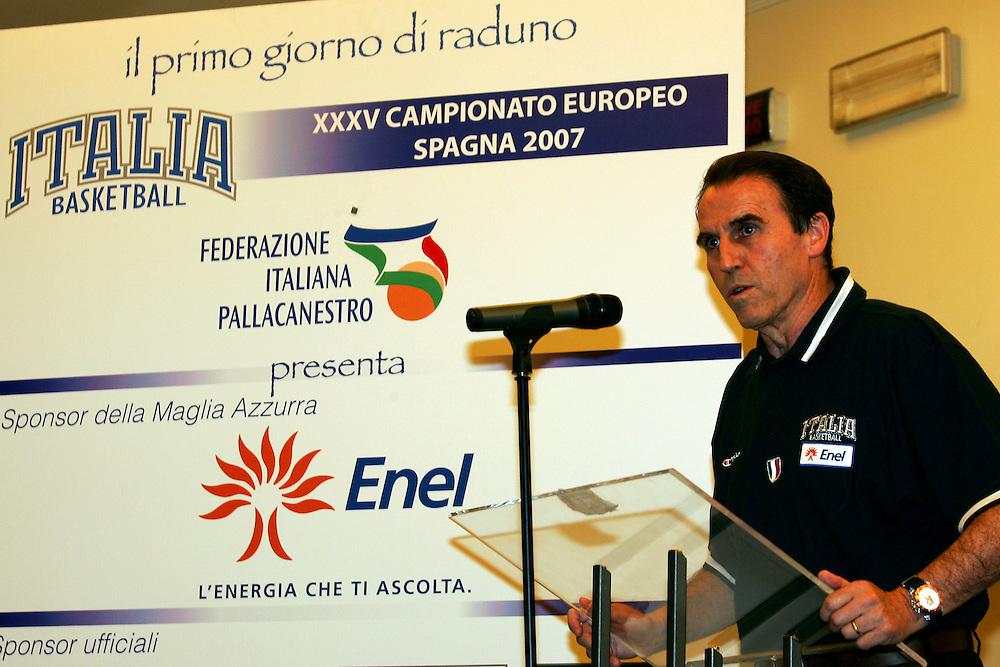 Prersentazione sponsor ENEL a Milano<br /> Carlo Recalcati