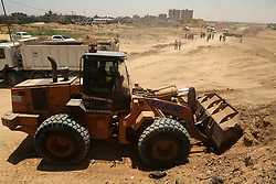 June 28, 2017 - Gaza, gaza strip, Palestine - Palestinian machineries operate on border with Egypt, in Rafah, Gaza Strip June 28, 2017. (Credit Image: © Majdi Fathi/NurPhoto via ZUMA Press)