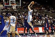 DESCRIZIONE : Sendai Giappone Japan Men World Championship 2006 Campionati Mondiali Argentina-France <br /> GIOCATORE : Nocioni <br /> SQUADRA : Argentina <br /> EVENTO : Sendai Giappone Japan Men World Championship 2006 Campionato Mondiale Argentina-France <br /> GARA : Argentina France Argentina Francia <br /> DATA : 19/08/2006 <br /> CATEGORIA : Tiro <br /> SPORT : Pallacanestro <br /> AUTORE : Agenzia Ciamillo-Castoria/H.Bellenger <br /> Galleria : Japan World Championship 2006<br /> Fotonotizia : Sendai Giappone Japan Men World Championship 2006 Campionati Mondiali Argentina-France <br /> Predefinita :