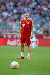 01.08.2013, Allianz Arena, Muenchen, Audi Cup 2013, FC Bayern Muenchen vs Manchester City, im Bild, Bastian SCHWEINSTEIGER (FC Bayern Muenchen) bekommt an seinem 29.Geburtstag ein Staendchen auf der Videoleinwand // during the Audi Cup 2013 match between FC Bayern Muenchen and Manchester City at the Allianz Arena, Munich, Germany on 2013/08/01. EXPA Pictures © 2013, PhotoCredit: EXPA/ Eibner/ Wolfgang Stuetzle<br /> <br /> ***** ATTENTION - OUT OF GER *****