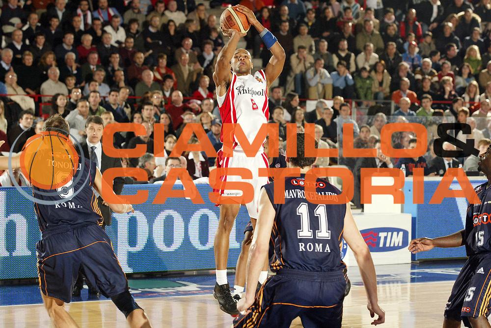 DESCRIZIONE : Varese Lega A1 2006-07 Whirlpool Varese Lottomatica Roma<br /> GIOCATORE : Holland<br /> SQUADRA : Whirlpool Varese<br /> EVENTO : Campionato Lega A1 2006-2007 <br /> GARA : Whirlpool Varese Lottomatica Roma<br /> DATA : 07/01/2007 <br /> CATEGORIA : Tiro<br /> SPORT : Pallacanestro <br /> AUTORE : Agenzia Ciamillo-Castoria/G.Cottini<br /> Galleria : Lega Basket A1 2006-2007 <br /> Fotonotizia : Varese Campionato Italiano Lega A1 2006-2007 Whirlpool Varese Lottomatica Roma<br /> Predefinita :