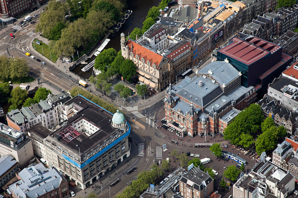 Nederland, Amsterdam, Centrum, 25-05-2010. Leidseplein met Stadsschouwburg, Hotel American (Eden Amsterdam American Hotel), Hirschgebouw..Leidseplein, with theatres, hotels, cafes, casino..luchtfoto (toeslag), aerial photo (additional fee required).foto/photo Siebe Swart