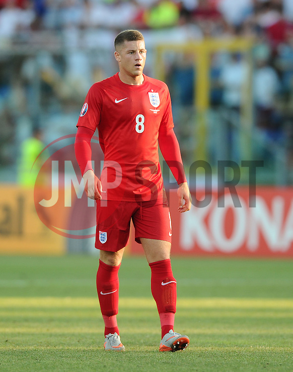 Ross Barkley of England (Everton)  - Mandatory byline: Joe Meredith/JMP - 07966386802 - 05/09/2015 - FOOTBALL- INTERNATIONAL - San Marino Stadium - Serravalle - San Marino v England - UEFA EURO Qualifers Group Stage