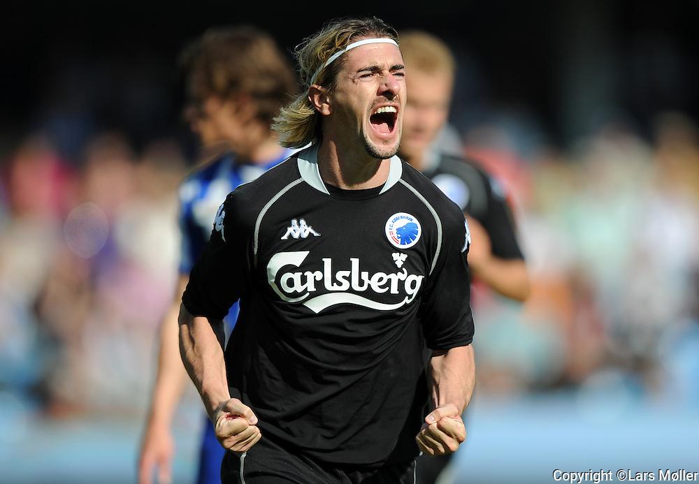 DK Caption:<br /> 20090524, Esbjerg, Danmark:<br /> SAS Liga fodbold Esbjerg - FC K&oslash;benhavn:<br /> C&eacute;sar Santin, FCK. har scoret til 1-0 p&aring; straffespark<br /> Foto: Lars M&oslash;ller<br /> UK Caption:<br /> 20090524, Esbjerg, Denmark:<br /> SAS Liga football Esbjerg - FC Copenhagen:<br /> C&eacute;sar Santin, FCK. har scoret til 1-0 p&aring; straffespark<br /> Photo: Lars Moeller