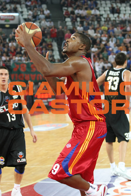 DESCRIZIONE : Roma Lega A1 2008-09 Lottomatica Virtus Roma Eldo Caserta<br /> GIOCATORE : Andre Hutson<br /> SQUADRA : Lottomatica Virtus Roma<br /> EVENTO : Campionato Lega A1 2008-2009 <br /> GARA : Lottomatica Virtus Roma Eldo Caserta<br /> DATA : 12/10/2008 <br /> CATEGORIA : Tiro<br /> SPORT : Pallacanestro <br /> AUTORE : Agenzia Ciamillo-Castoria/C.De Massis