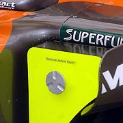 NLD/Volkel/20070420 - Spyker F1 meets F16, Full Throttle 2007, afdekplaat met tekst Remove before flight