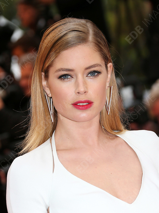 10.FEBRUARY.2014. <br /> <br /> CODE - CP<br /> <br /> (DOUTZEN KROES STOCK)<br /> <br /> SUPERMODEL DOUTZEN KROES HAS ANOTHER CHILD ON THE WAY. THE VICTORIA'S SECRET MODEL AND HUSBAND SUNNERY JAMES ARE EXPECTING THEIR SECOND CHILD AND ANNOUNCED THE NEWS THURSDAY WITH A NUDE INSTAGRAM PHOTO OF THE MODEL CRADLING HER PROTRUDING BELLY.<br /> <br /> BYLINE: EDBIMAGEARCHIVE.CO.UK<br /> <br /> *THIS IMAGE IS STRICTLY FOR UK NEWSPAPERS AND MAGAZINES ONLY*<br /> *FOR WORLD WIDE SALES AND WEB USE PLEASE CONTACT EDBIMAGEARCHIVE - 0208 954 5968*