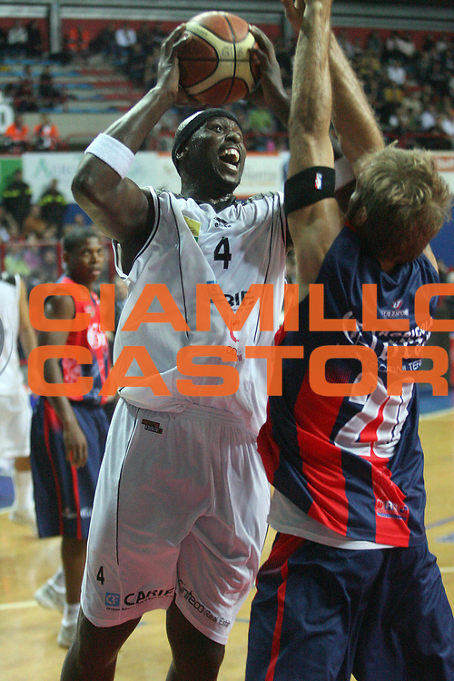 DESCRIZIONE : Montecatini Lega A2 2007-08 Agricola Gloria RB Montecatini Terme Carife Basket Club Ferrara<br /> GIOCATORE : Jamison Harold<br /> SQUADRA : Carife Basket Club Ferrara<br /> EVENTO : Campionato Lega A2 2007-2008<br /> GARA : Agricola Gloria RB Montecatini Terme Carife Basket Club Ferrara<br /> DATA : 21/10/2007<br /> CATEGORIA : Tiro<br /> SPORT : Pallacanestro<br /> AUTORE : Agenzia Ciamillo-Castoria/Stefano D'Errico<br /> Galleria : Lega Basket A2 2007-2008 <br /> Fotonotizia : Montecatini Lega A2 2007-2008 Agricola Gloria RB Montecatini Terme Carife Basket Club Ferrara<br /> Predefinita :
