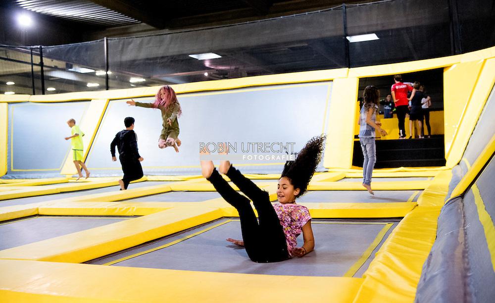 LEIDSCHENDAM- binnenspeeltuin  binnen spelen trampoline park Kinderen genieten trampoline trampolines van de laatste dag van de herstvakantie  spelen , kinderen , kind , springen , sporten  FreeStyle Motion Rotterdam is met 2500m2 het grootste indoor trampolinepark van europa. In dit unieke trampolinepark is alles anders dan je gewend bent. ROBIN UTRECHT
