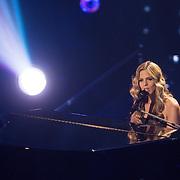 NLD/Amsterdam/20131129 - The Voice of Holland 2013, 3de show, Jennifer Lynn