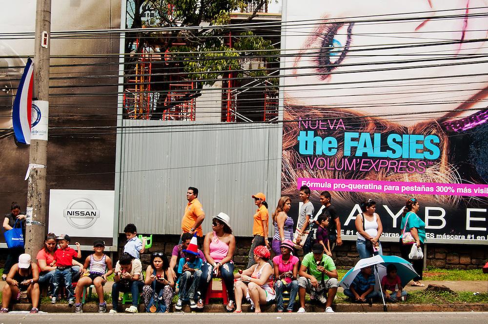 FIESTAS PATRIAS - PANAMA 2011<br /> Noviembre, mes de la patria de Panam&aacute;. Todo inicia el 3 de noviembre de 1903, en este d&iacute;a se celebra la separaci&oacute;n de Panam&aacute; de Colombia, seguidamente el 4 de noviembre, los paname&ntilde;os celebran el d&iacute;a de la Bandera; el 5 de noviembres de 1903 se siguen luciendo las calles y avenidas de Panam&aacute; y la provincia de Col&oacute;n con la reafirmaci&oacute;n de la separaci&oacute;n de Panam&aacute; de Colombia; el 10 de noviembre en 1821 se dio el Grito de Independencia de la Villa de Los Santos y el 28 de noviembre de 1821, se da la independencia de Espa&ntilde;a.<br /> Noviembre, un mes donde se conmemoran d&iacute;as de mucha historia para la Rep&uacute;blica de Panam&aacute;. Es en este mes donde la historia, los valores, las tradiciones y las costumbres folkl&oacute;ricas del pa&iacute;s toman un verdadero realce a nivel nacional. En grandes masas se acercan miles de paname&ntilde;os y extranjeros d&aacute;ndose cita a las avenidas de la ciudad de Panam&aacute; y en las provincias dispuestos a disfrutar de los desfiles patrios preparados por las distintos colegios y por distintas asociaciones de la ciudad de Panam&aacute;. <br /> <br /> Photography by Aaron Sosa<br /> Ciudad de Panam&aacute; - Panam&aacute; 03-11-2011