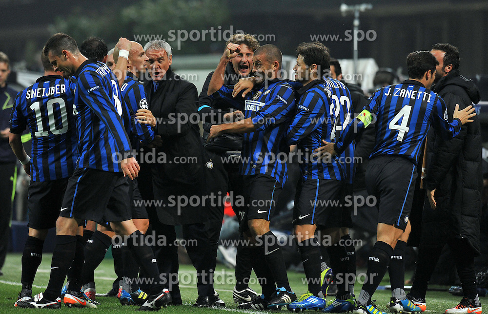 02.11.2011, Giuseppe Meazza Stadion, Mailand, ITA, UEFA CL, Gruppe B, Inter Mailand (ITA) vs OSC Lille (FRA), im Bild  Walter Samuel Inter celebrates scoring.Esultanza dopo il gol  // during UEFA Champions League group B match between Inter Mailand (ITA) and OSC Lille (FRA) at Giuseppe Meazza, Stadium, Milan, Italy on 02/11/2011. EXPA Pictures © 2011, PhotoCredit: EXPA/ InsideFoto/ Alessandro Sabattini +++++ ATTENTION - FOR AUSTRIA/(AUT), SLOVENIA/(SLO), SERBIA/(SRB), CROATIA/(CRO), SWISS/(SUI) and SWEDEN/(SWE) CLIENT ONLY +++++