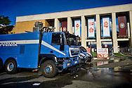 Roma 16 Ottobre 2015<br /> Un centinaio di studenti ha protestato in piazzale Aldo Moro, di fronte all'Università La Sapienza, la sede del  Maker Faire 2015, la fiera dell'innovazione europea organizzata all'interno dell'universita. I manifestanti denunciano l'uso privatistico di una struttura pubblica, l'interruzione delle attività di ricerca e la non trasparenza sull'uso dei ricavi. I mezzi della polizia davanti all'ingresso dell'Università La Sapienza<br /> <br /> Rome 16 October 2015<br /> A hundred students protested in Piazzale Aldo Moro, opposite the University La Sapienza, the headquarters of the Maker Faire 2015, the European innovation fair organized within the university. Protesters denounce the  private use of a public facility, the interruption of research and lack of transparency on the use of revenues.The police vehicles at the entrance of La Sapienza.