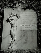 Cemetery Girl, Vienna