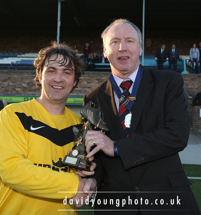 Midlands AFA President Gordon Farmer presents the man of the match award to Riverside's Brian Harris - Arbroath CSC (white) v Riverside (yellow) in the Bremner Cup Final at Station Park, Forfar<br /> <br />  - &copy; David Young - www.davidyoungphoto.co.uk - email: davidyoungphoto@gmail.com