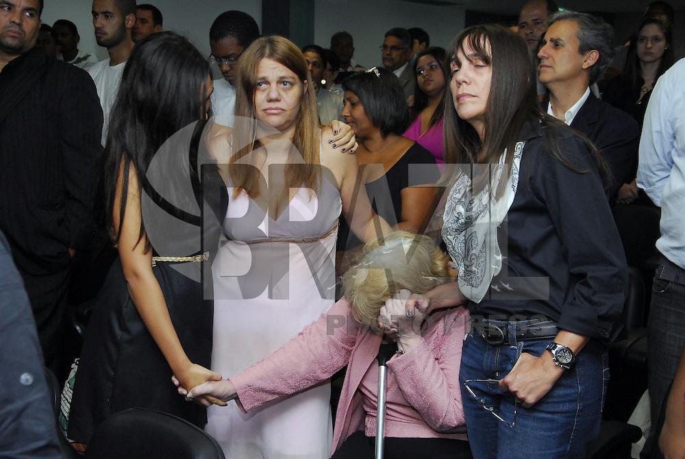 ATENÇÃO EDITOR: FOTO EMBARGADA PARA VEÍCULOS INTERNACIONAIS. NITERÓI, RJ 30 DE JANEIRO 2013 -  JULGAMENTO DA MORTE DA JUÍZA PATRÍCIA ACIOLI EM NITERÓI. Nesta quarta feira (30), foi julgado e condenado 3 dos PM acusados de matar a juíza Patrícia Acioli em Niterói..Os presos: Junior Cesar de Medeiros, Jeferson Araújo e Jovanis Falcao Junior..Dona Marly Acioli, mãe da juíza.Márcia e Simone, irmãs da juíza.Ana Clara, filha da juíza assassinada.FOTO RONALDO BRANDÃO / BRAZIL PHOTO PRESS