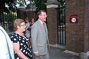 DAVID TRIMBLE, Conservative Summer Party. Royal  Hospital Chelsea. London.  5 July 2010. -DO NOT ARCHIVE-© Copyright Photograph by Dafydd Jones. 248 Clapham Rd. London SW9 0PZ. Tel 0207 820 0771. www.dafjones.com.
