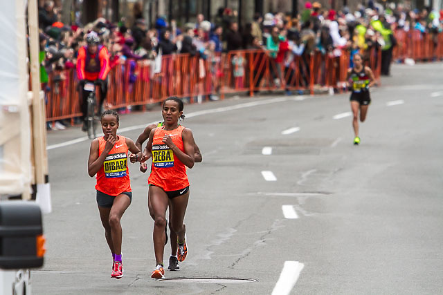 three runners surge to lead, dropping Desi Linden