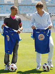 06.07.2011, Getafe, ESP, Primera Division, FC Getafe, Spielerpräsentation, im Bild Getafe's new players Michelangelo Albertazzi (r) and Mehdi Lacen during their official presentation. July 6, 2011. EXPA Pictures © 2011, PhotoCredit: EXPA/ Alterphotos/ Acero +++++ ATTENTION - OUT OF SPAIN / ESP +++++