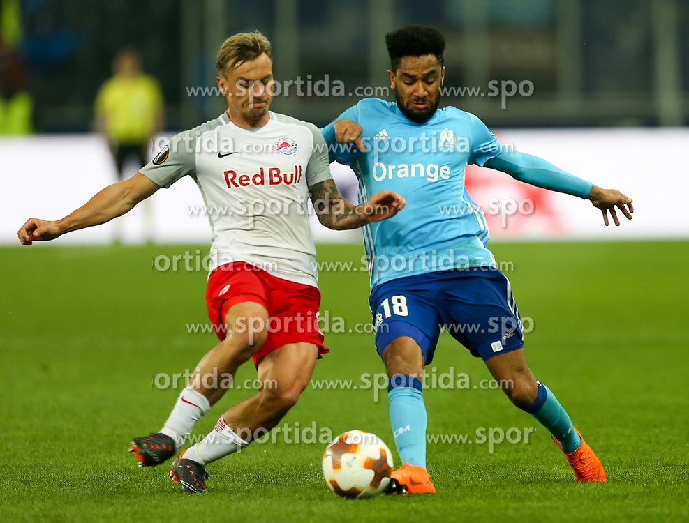 03.05.2018, Red Bull Arena, Salzburg, AUT, UEFA EL, FC Salzburg vs Olympique Marseille, Halbfinale, Rueckspiel, im Bild Fredrik Gulbrandsen (FC Salzburg) und Jordan Amavi (Olympique Marseille)// during the UEFA Europa League Semifinal, 2nd Leg Match between FC Salzburg and Olympique Marseille at the Red Bull Arena in Salzburg, Austria on 2018/05/03. EXPA Pictures © 2018, PhotoCredit: EXPA/ Roland Hackl