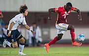 GUANGZHOU, CHINA - FEBRUARY 24:  Jackson Martinez of Guangzhou Evergrande (R) being followed by Kim Kwangsuk of Pohang Steelers (L) during the Guangzhou Evergrande FC v Pohang Steelers match as part of the AFC Champions League 2016 at Guangzhou Tianhe Sport Center on February 24, 2016 in Guangzhou, China.  (Photo by Aitor Alcalde Colomer/Getty Images)