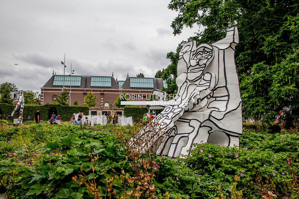 AMSTERDAM - Beelden in de Rijksmuseumtuinen, tijdens de voorbezichtiging van de tentoonstelling van de Frans kunstenaar Jean Dubuffet. copyright JEPSER DRENTH<br /> AMSTERDAM - Images in the Rijksmuseumtgarden, during the premiere of the exhibition of French artist Jean Dubuffet. Copyright JEPSER DRENTH