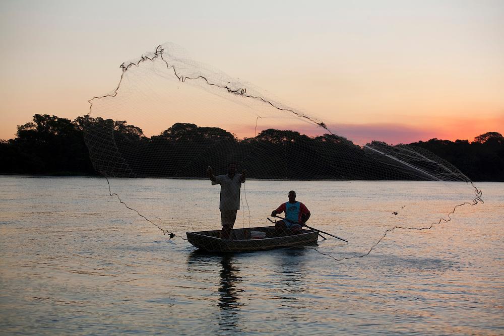 Pirapora_MG, Brasil...Pesca no Rio Sao Francisco em Pirapora...The fishing in Sao Francisco river in Pirapora...Foto: LEO DRUMOND / NITRO