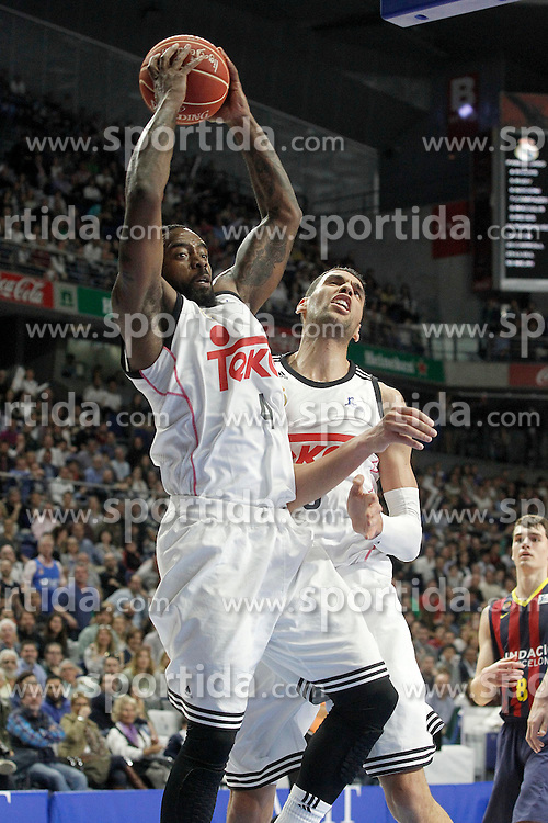 12.04.2015, Palacio de los Deportes, Madrid, ESP, Liga ACB, Real Madrid vs FC Barcelona, im Bild Real Madrid's K.C.Rivers (l) and Salah Mejri // during Liga Endesa ACB match between Real Madrid and FC Barcelona at the Palacio de los Deportes in Madrid, Spain on 2015/04/12. EXPA Pictures &copy; 2015, PhotoCredit: EXPA/ Alterphotos/ Acero<br /> <br /> *****ATTENTION - OUT of ESP, SUI*****