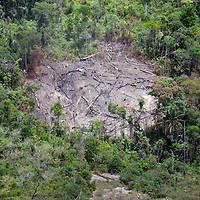 Area devastada por los mineros ilegales en el Parque Nacional Canaima. Edo. Bolivar. Venezuela. Area devastated by illegal miners in the Canaima National Park. Edo. Bolivar. Febrero 23, 2013. Jimmy Villalta.