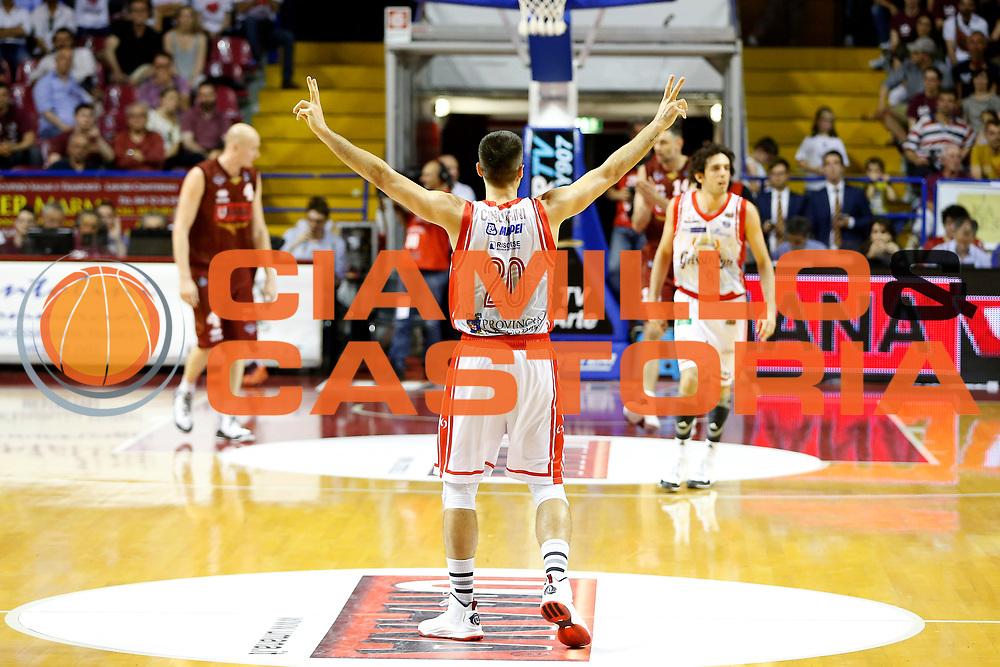 DESCRIZIONE : Venezia Lega A 2014-15 Play Off Gara1 Semifinale Umana Reyer Venezia Grissin Bon Reggio Emilia<br /> GIOCATORE : Andrea Cinciarini<br /> CATEGORIA : Esultanza<br /> SQUADRA : Umana Reyer Venezia Grissin Bon Reggio Emilia<br /> EVENTO : Campionato Lega A 2014-2015<br /> GARA : Umana Reyer Venezia Grissin Bon Reggio Emilia<br /> DATA : 30/05/2015<br /> SPORT : Pallacanestro <br /> AUTORE : Agenzia Ciamillo-Castoria/G. Contessa<br /> Galleria : Lega Basket A 2014-2015 <br /> Fotonotizia : Venezia Lega A 2014-15 Play Off Gara1 Semifiinale Umana Reyer Venezia Grissin Bon Reggio Emilia