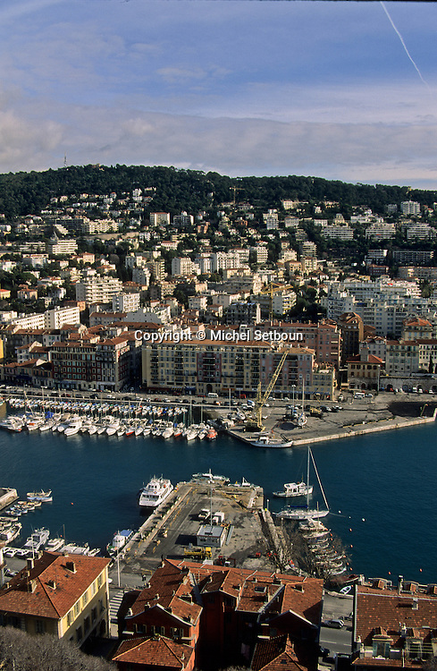 France. Nice. the harbour      / le port  Nice  france   / R00115/    L1737  /  P102861