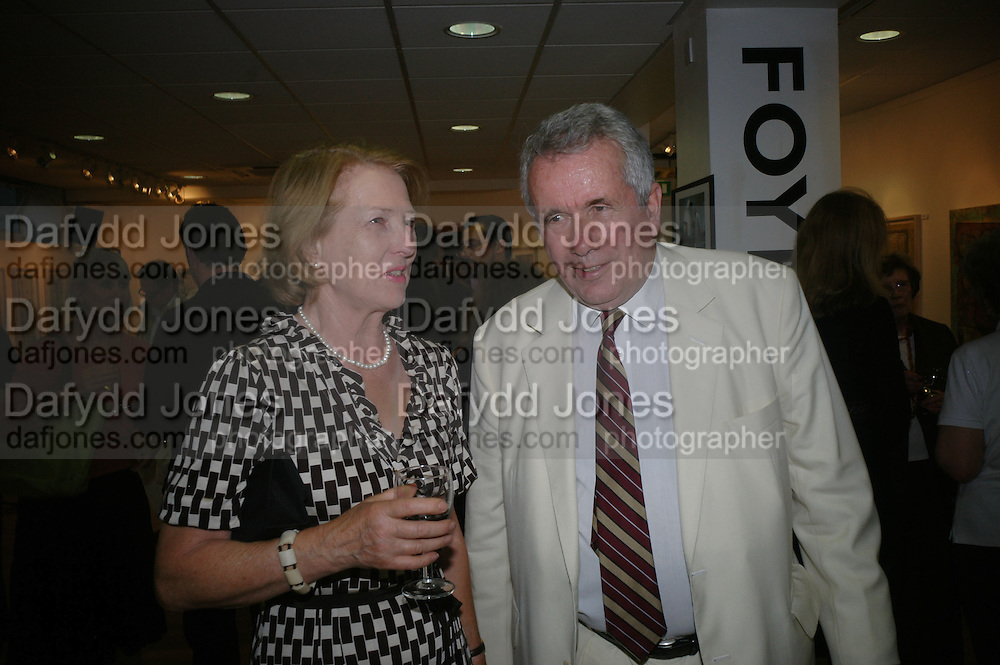 Lady Figgis and Martin Bell, Launch of Martin Bell's ' The Truth That Sticks: New Labour's Breach Of Trust.' Foyles. London. 5 September 2007.  -DO NOT ARCHIVE-© Copyright Photograph by Dafydd Jones. 248 Clapham Rd. London SW9 0PZ. Tel 0207 820 0771. www.dafjones.com.