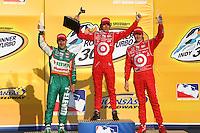 Dan Wheldon, Tony Kanaan, Scott Dixon, Road Runner Turbo Indy 300, Kansas Speedway, Kansas City, KS USA 27/4/08