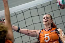 22-09-2017 NED: Training zitvolleybalsters Oranje 2017-2018, Leersum<br /> Nederland bereidt zich voor op het komende EK zitvolleybal / Karin van der Haar #5
