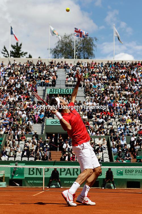 French Open 2011, Roland Garros,Paris,ITF Grand Slam Tennis Tournament . Roger Federer (SUI), Einzelbild,Aktion,