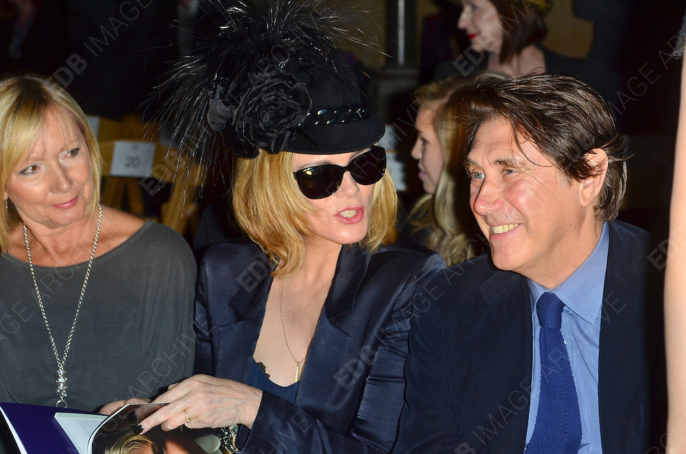 16.SEPTEMBER.2012. LONDON<br /> <br /> KIM CATTRALL AND BRYAN FERRY ATTEND PHILIP TREACY'S LFW SHOW AT THE ROYAL COURTS OF JUSTICE. <br /> <br /> BYLINE: EDBIMAGEARCHIVE.CO.UK<br /> <br /> *THIS IMAGE IS STRICTLY FOR UK NEWSPAPERS AND MAGAZINES ONLY*<br /> *FOR WORLD WIDE SALES AND WEB USE PLEASE CONTACT EDBIMAGEARCHIVE - 0208 954 5968*