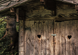 THEMENBILD - eine Hütte mit 2 Türen mit Herzloch dient als Almtoilette, aufgenommen am 23. Juni 2019, am Hintersee in Mittersill, Österreich // a hut with 2 doors with heart hole serves as Almtoilette on 2019/06/23, Hintersee in Mittersill, Austria. EXPA Pictures © 2019, PhotoCredit: EXPA/ Stefanie Oberhauser