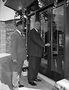 02/05/1960<br /> 05/02/1960<br /> 02 May 1960<br /> National Farmers Association stand at the R.D.S., Ballsbridge, Dublin. The Minister for Agriculture Mr. Patrick Smith T.D. performing the opening ceremony at the N.F.A. farmers pavilion at the R.D.S. Showgrounds, prior to a tour of the building. Included is Dr. Juan Greene, President of the N.F.A..