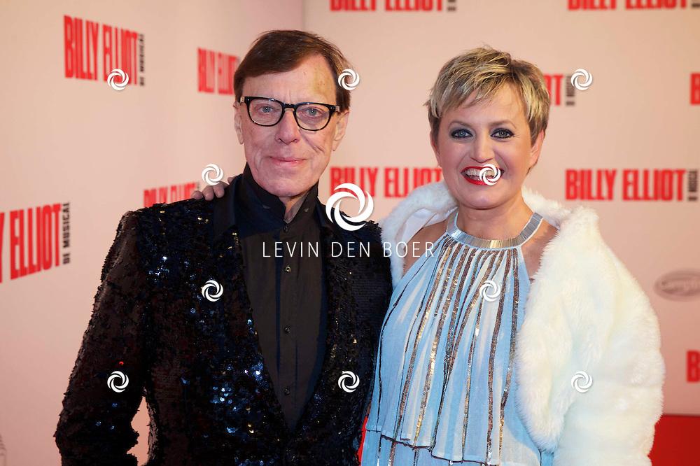 DEN HAAG - In het Afas Theater is de Nederlandse Premiere van Billy Eliot. Met hier op de foto  Frans Molenaar met Vera Mann. FOTO LEVIN DEN BOER - PERSFOTO.NU