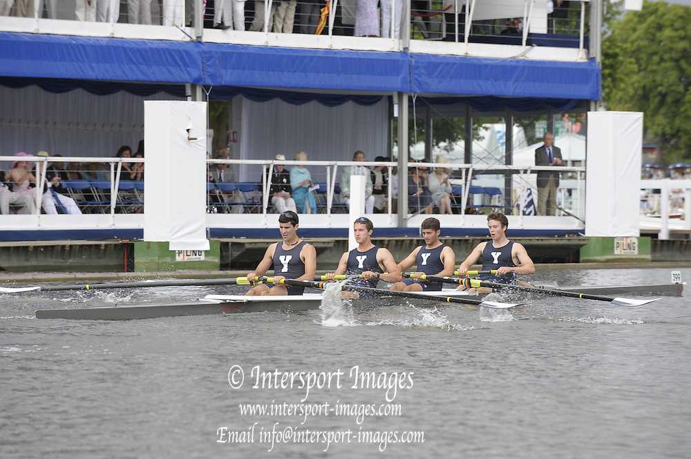 Henley, Great Britain. Yale University, in the closing stage of their heat in the Prince Albert Challenge Cup. 2009 Henley Royal Regatta Friday 03/07/2009 at  [Mandatory Credit. Peter Spurrier/Intersport Images] . HRR.