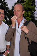 Johnnie Shand Kidd. The Serpentine Summer party co-hosted by Jimmy Choo. The Serpentine Gallery. 30 June 2005. ONE TIME USE ONLY - DO NOT ARCHIVE  © Copyright Photograph by Dafydd Jones 66 Stockwell Park Rd. London SW9 0DA Tel 020 7733 0108 www.dafjones.com