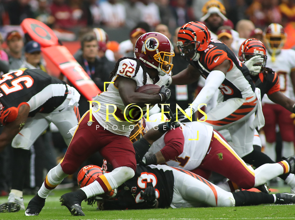 NFL International Series 2016 Washington Redskins @ Cincinnati Bengals 30th OCT 2016<br /> <br /> Washington Redskins Running Back Silas Redd (32) runs with the ball  during game 17 of the NFL International Series between the  Washington Redskins and Cincinnati Bengals, From Wembley Stadium, London.<br /> <br /> Pic Micthell Gunn / PLPA? ProLens Photo Agency.<br /> Sunday 30 October 2016