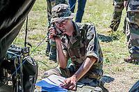 La FRAOS 2016 s'est déroulée au sein du camp militaire de la Valbonne (01) sur le thème «prise en charge initiale du blesse de guerre ».<br /> Au cours de cette semaine, les réservistes du SSA (Service de Santé des Armées) ont participe a différents ateliers qui les ont mis en situation suivant le thème de celui-ci et grace au soutien du Régiment Médical avec des simulations très réalistes. Formation annuelle elle réunit pendant une semaine sur le camp militaire de la Valbonne, 65 stagiaires réservistes opérationnels du service de santé des armées venant de toute la France.Cette formation leur permet d'acquérir et de consolider des connaissances théoriques et pratiques tant militaires que techniques.Ils sont venus afin d'améliorer et faire évoluer leurs compétences dans la médecine de combat.Cette formation est encadrée par le personnel du CeFos (Centre de Formation Opérationnel Santé) mais également du Rmed (Régiment Médical)