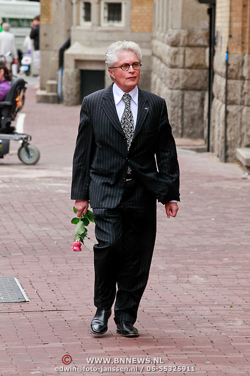 NLD/Amsterdam/20110722 - Afscheidsdienst voor John Kraaijkamp, Jacques d' Ancona