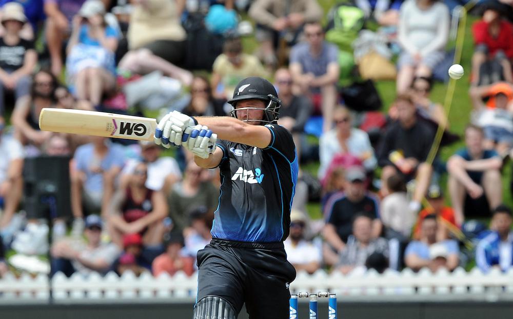 New Zealand's Corey Anderson batting against Pakistan in the 1st ODI International Cricket match at Basin Reserve, Wellington, New Zealand, Monday, January 25, 2016. Credit:SNPA / Ross Setford