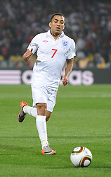 12.06.2010, Royal Bafokeng Stadium, Rustenburg, RSA, FIFA WM 2010, England (ENG) vs USA (USA), im Bild Aaron Lennon of England in action, EXPA Pictures © 2010, PhotoCredit: EXPA/ IPS/ Mark Atkins / SPORTIDA PHOTO AGENCY