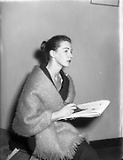 Clodagh Phipps, 18 Year old dress designer, first fashion show at Hibernian. <br />